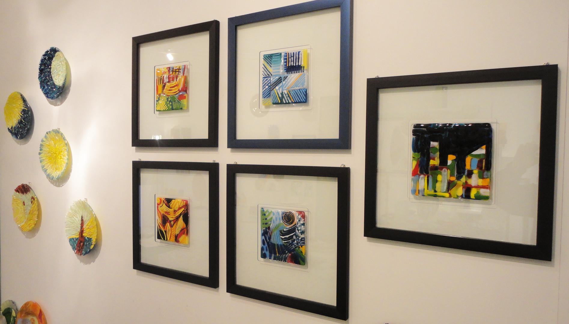 Composizione di quadri in vetro